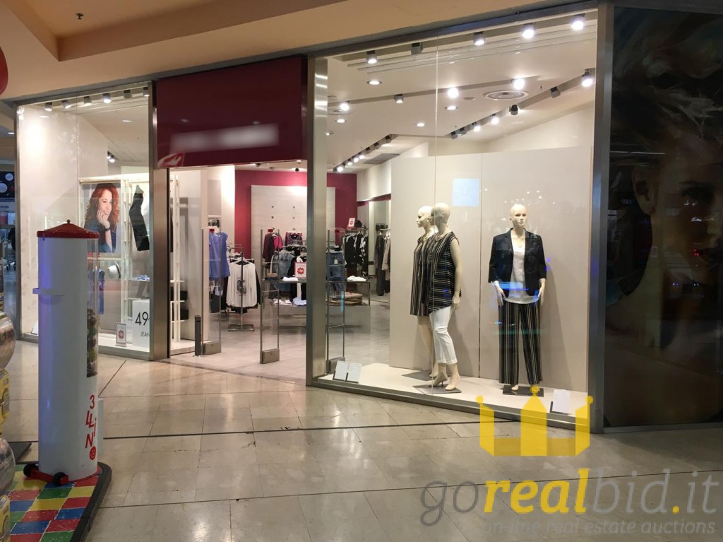 lot Shop in Shopping Center in Milano | Gorealbid.it